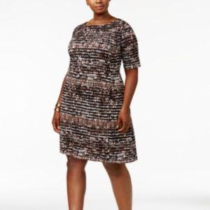 Connected Apparel Printed Plus Size Shift Dress.